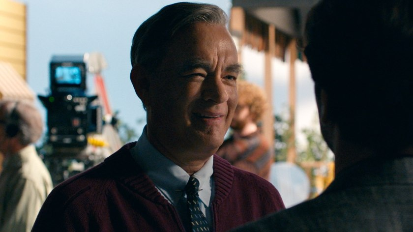 Tom Hanks Pays A Beautiful Tribute To Mr Rogers In A Beautiful Day In The Neighborhood Patrick Beatty Reviews